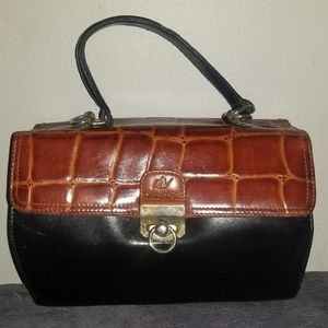 DeLavole Leather Hand Bag